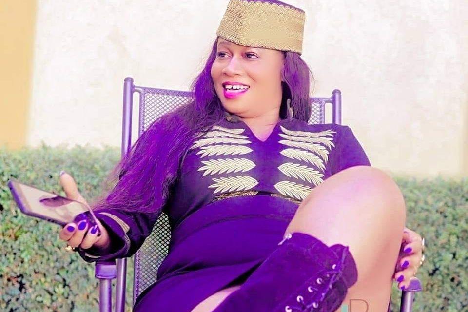 Rama la Slameuse s'attaque à Malika La Slamazone